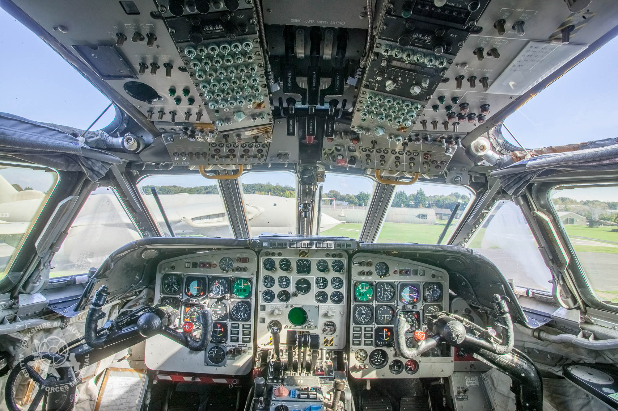 On the flight deck of Nimrod XV250